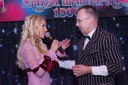 Фокусник Денис Власов с Лерой
